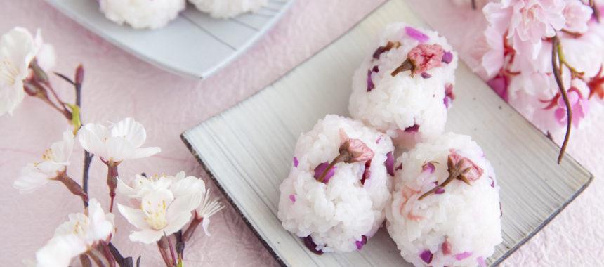 お花見にも!桜のおむすび