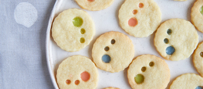 【祝100周年!「カルピス」レシピ】水玉ステンドグラスクッキー