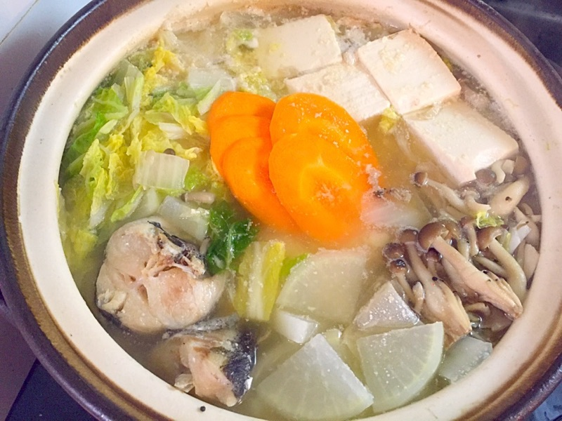野菜たっぷり粕味噌ごま鍋
