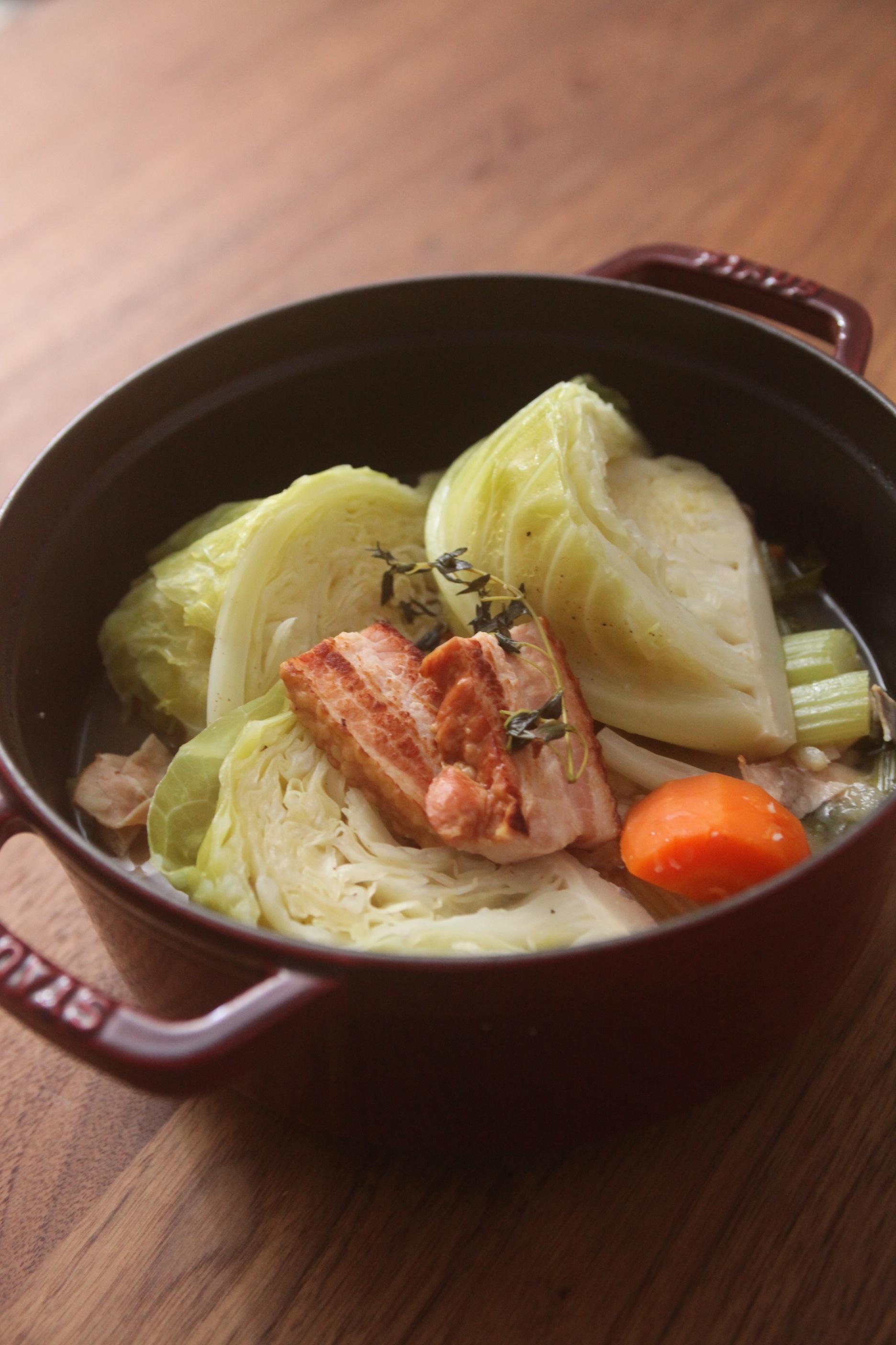 ゴロゴロ野菜と厚切りベーコンのポトフ