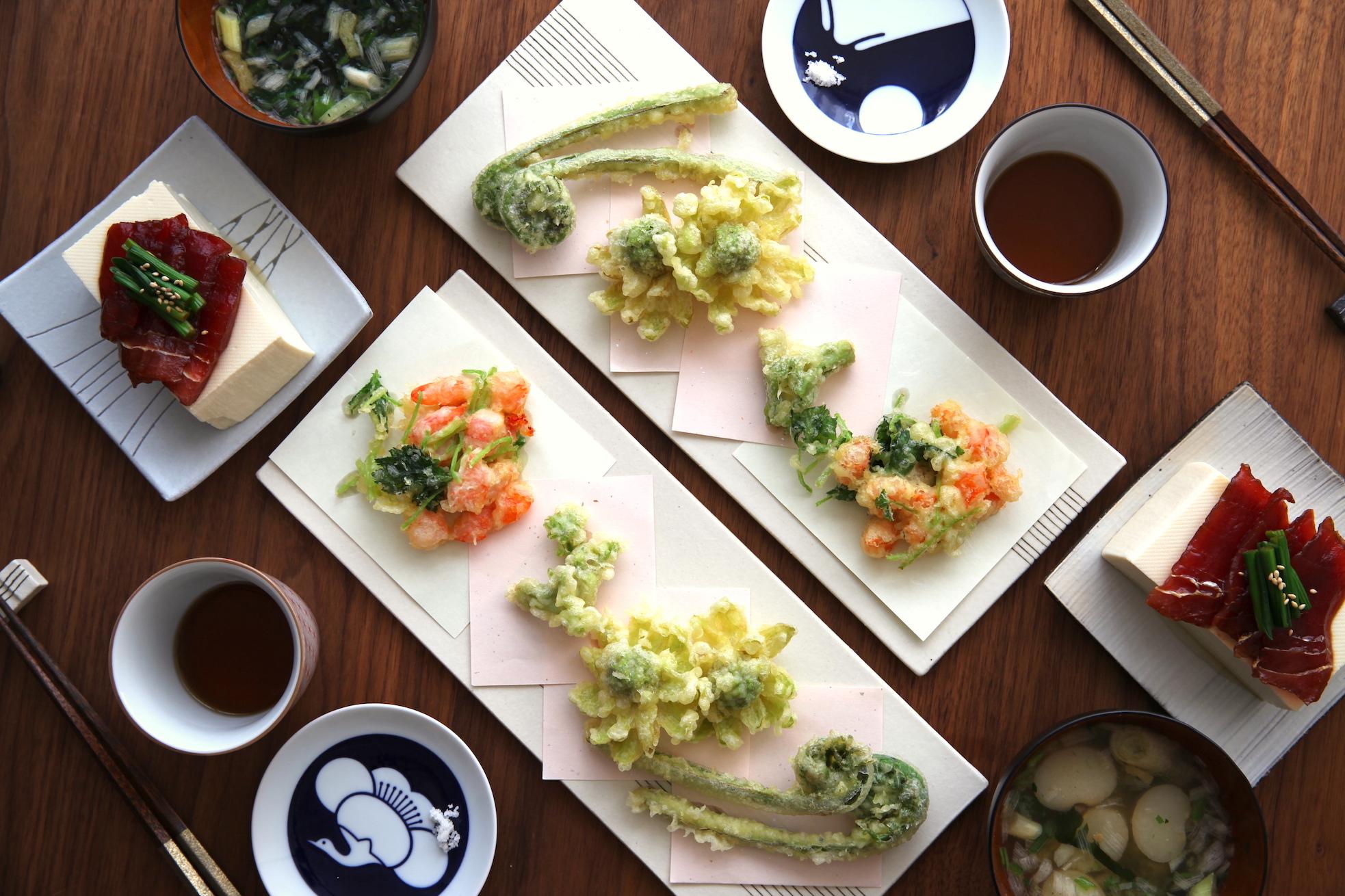 「オトコノキッチン」食べるなら今!山菜の天ぷらをふたりごはんでお手軽に!