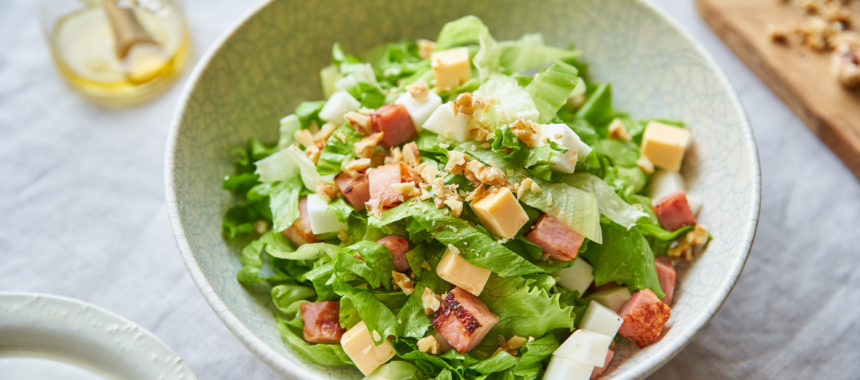 【糖質控えめレシピ】かぶとベーコンのチョップドサラダ