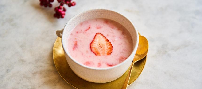 【ELLE gourmet 掲載】いちごとココナッツのホットスープ