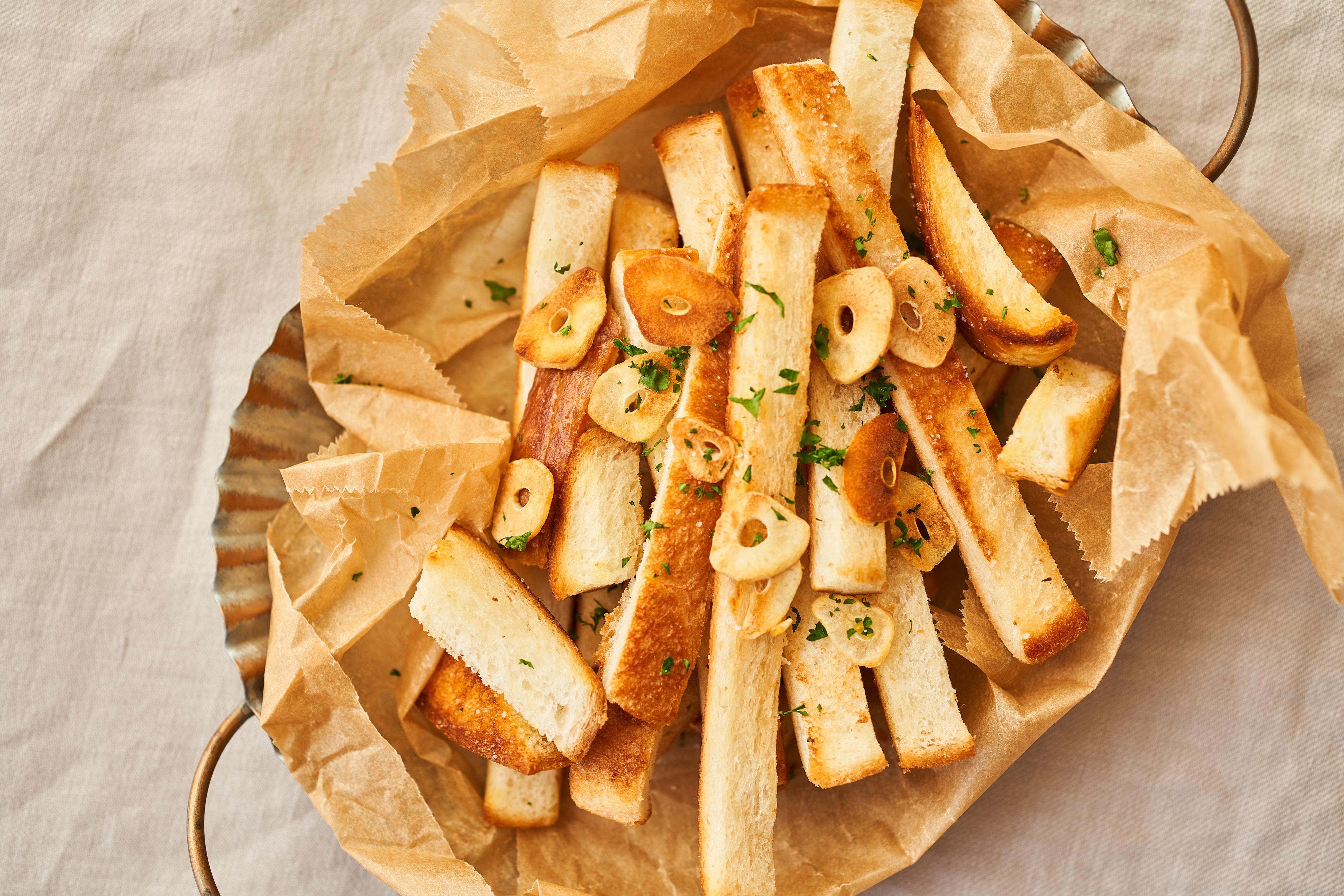 パンの耳で おつまみガーリックラスクのレシピ 作り方 ふたりごはん