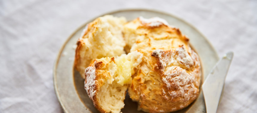 【発酵なし、30分で焼きたてパン】甘酒クイックブレッド