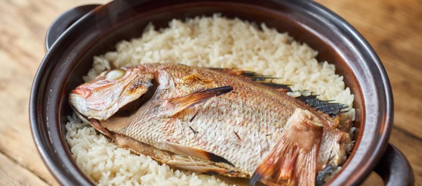 土鍋で鯛めし(鯛飯)