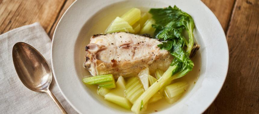 白身魚とセロリのスープ煮